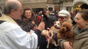 """Sant'Antonio Abate, la benedizione animali diventa """"social"""""""