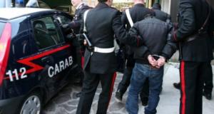 """Scacco al """"Cavallo di ritorno"""" arrestato per estorsione"""