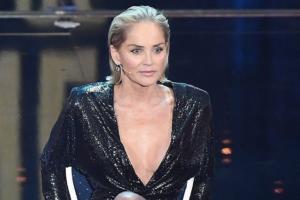 Sharon Stone, chirurgo mi aumento' il seno senza consenso