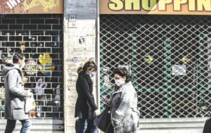 Covid Campania, paura dei vaccini e ira degli esercenti
