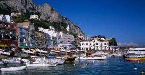 """Turismo: pacchetti Covid-free per salvare la stagione estiva, """"rendiamo immuni le isole"""""""