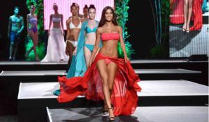 Sfila il bikini piu' costoso: la spallina ha 26 diamanti