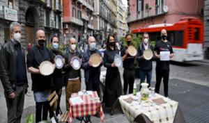 Covid:Napoli, da ristoratori al chiuso sit-in e piatti vuoti