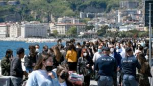 """Campania, resta """"gialla""""contagi stabili De Luca, senza rigore tra due settimane zona rossa"""