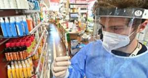 Coronavirus, si allunga la lista delle fake news: presi di mira vaccini e varianti