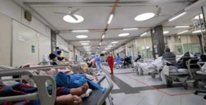 """Covid: Campania,in aumento contagi e ricoveri, Ospedali sotto soglia """"verso rischio giallo"""""""
