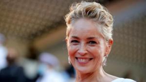 Sharon Stone ha rischiato di esser licenziata dal set per aver preteso la vaccinazione di tutta la troupe