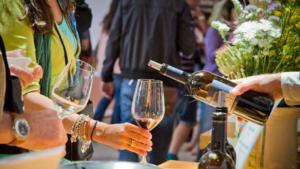"Vino: Calici di stelle, degustazioni in 8 cantine siciliane,""tutti gli appuntamenti"""