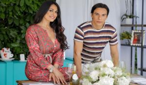 """""""Citofona Di Flora Mazza"""", ecco il nuovo salotto web: al via con la star Salvatore Esposito"""