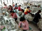 Lavoro nero in sartoria abusiva nel Napoletano