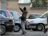 In sole due ore parcheggiatore abusivo incassa 220 euro